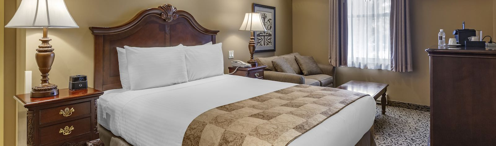 Hotel room rates for The Parlour Inn, Stratford, Ontario